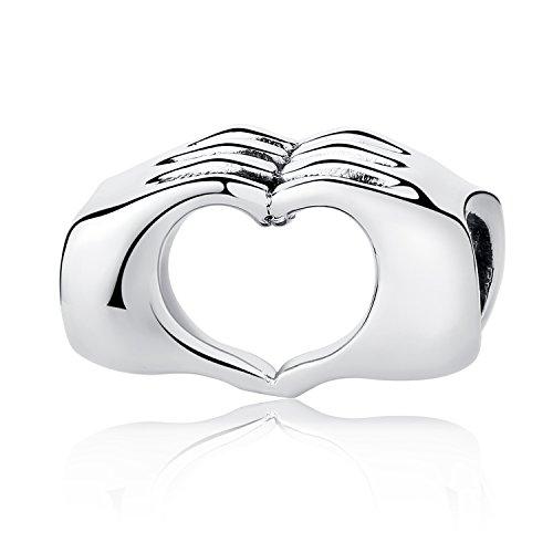 Charm a forma di mani che formano un cuore, adatto a bracciali con maglia intrecciata