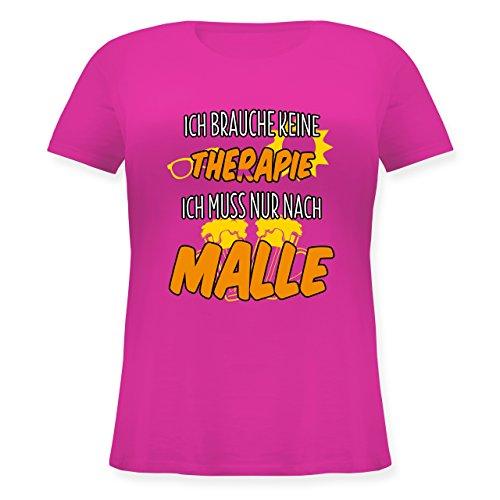 Urlaub - Ich Brauche Keine Therapie ich muss nur nach Malle - M (46) - Fuchsia - JHK601 - Lockeres Damen-Shirt in großen Größen mit Rundhalsausschnitt