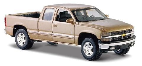 Chevrolet Silverado 1500 Black 1:27 Diecast Model Car