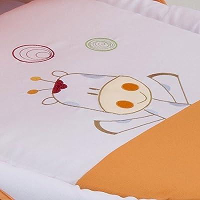 Capazo para bebé MULTICOLOR. Moisés BORDADO JIRAFA. Incluye: Vestidura+Capota+Colchita+Funda almohada+Capazo de mimbre o Seron bebé y Colchón antiahogo. Interior de mimbre con asas. BEBELOVERS, KOKETES, MOBIBE