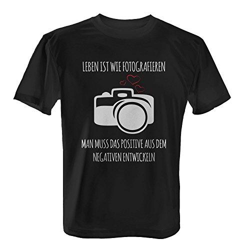 afieren - Herren T-Shirt von Fashionalarm | Fun Shirt Spruch Geschenk Idee Fotograf Fotografin Fotografie Kamera Profi Amateur Leidenschaft Positiv Negativ Entwickeln Beruf Hobby, Farbe:schwarz;Größe:5XL ()