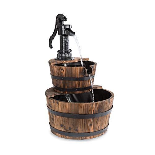blumfeldt Cascada Doble Kaskadenbrunnen - Zierbrunnen, 2 Etagen Holzfässer, 12 Watt Pumpe, kein Wasserzulauf erforderlich, Holzbottiche aus Tannenholz, Handpumpe aus Gusseisen, braun