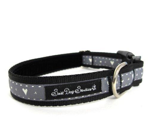 Salt Dog Studios Schwarz Hearts & Kisses Hundehalsband- Extra Small 7-11
