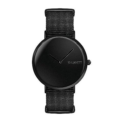 SMUKKETT Nighttimer Allblack flache und vegane Herren Armband-Uhr komplett schwarz Monochrom mit Nato-Band 40 mm Quarz-Werk Classic-Watch
