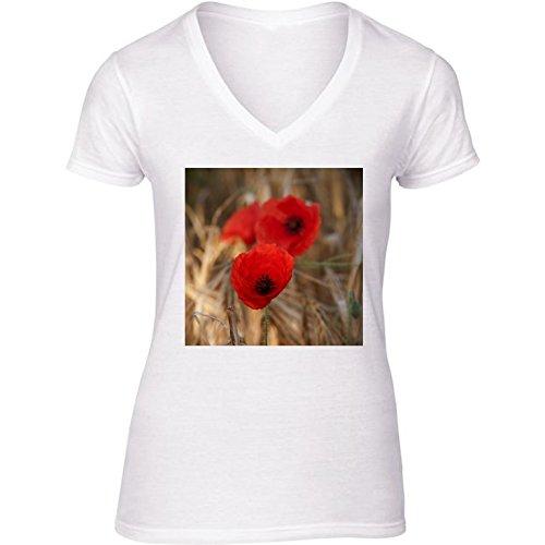 camiseta-blanca-con-v-cuello-para-mujer-tamano-m-amapolas-en-un-campo-by-utart