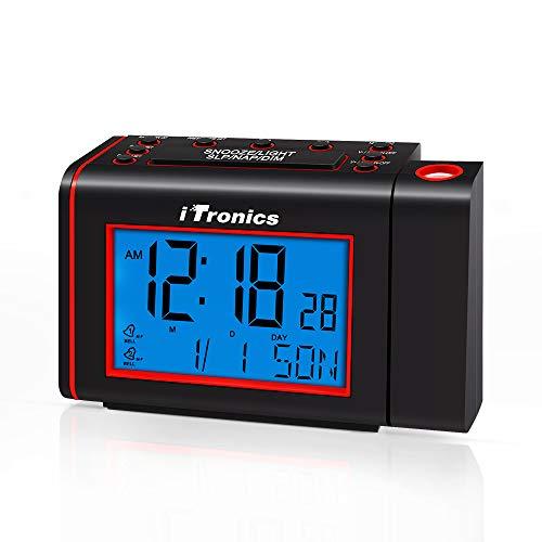 iTronics Funk Projektionswecker mit Digital Funkuhr und Radiofunktion, Radiowecker mit Projektor, automatischer Uhrzeiteinstellung, Dual-Alarm mit USB-Ladeanschluss, 3 Dimmer