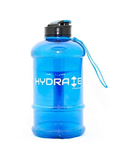 NEUE VERSION Hochwertige 2,2 Liter Trinkflasche - Jetzt mit Easy Drink Cap, Haltbar & Extra Strong - BPA frei - Ideal für: Fitness, Diät, Bodybuilding, Outdoor Sports, Wandern & Büro - 100% Zufrieden