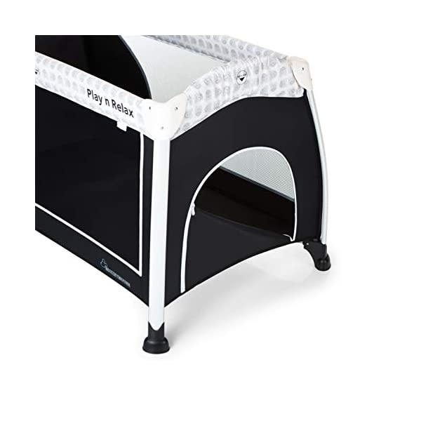 Hauck Play'n Relax, Portable Foldable Travel Cot Crib Bed Playpen for Children, from birth Up To 15 kg, 66 x 120 cm, with Net, Folding Mattress, Lateral Opening, Disney Design, Mickey Cool Vibes  Untippable design -  The playpen is smaller at the top than the bottom to improve the stability of the cot Stylish frame -  The exposed metal uprights of the frame give the play n relax a modern look Compact fold - Folds down to just 21.5 x 21.5 x 78cm making it easy to fit in the boot and take to grandma's house 13