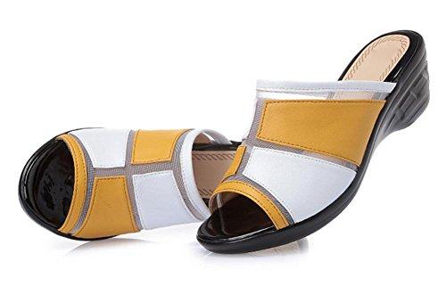 Sommer-Art und Weise kühle Pantoffel weiblicher Hausschuh mit Hang mit Sandalen großer Yards Frau light yellow