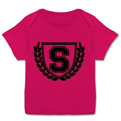 Anfangsbuchstaben Baby - S Collegestyle - 68-74 (9 Monate) - Fuchsia - E110B - Kurzarm Baby-Shirt für Jungen und Mädchen in verschiedenen Farben