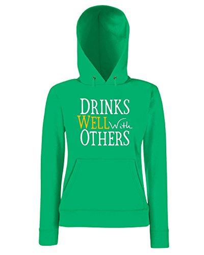 T-Shirtshock - Sweatshirt a capuche Femme TIR0040 drinks well with others dark tshirt (1) Vert