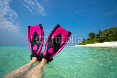 druck-shop24 Wunschmotiv: Woman holding mask and flippers for swimming #108822595 - Bild als Foto-Poster - 3:2-60 x 40 cm/40 x 60 cm (Womens Flipper)