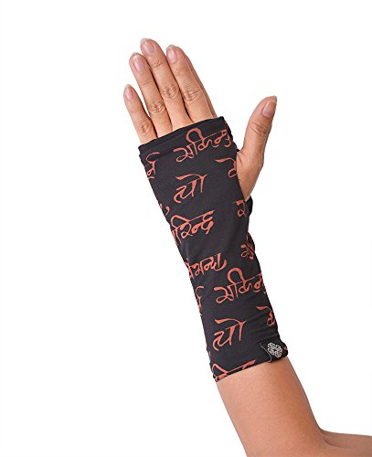 virblatt yoga gloves and leg warmers to complete your yoga outfit they can be also a perfect yoga gift with ethnic printings or plain black - Gloves L