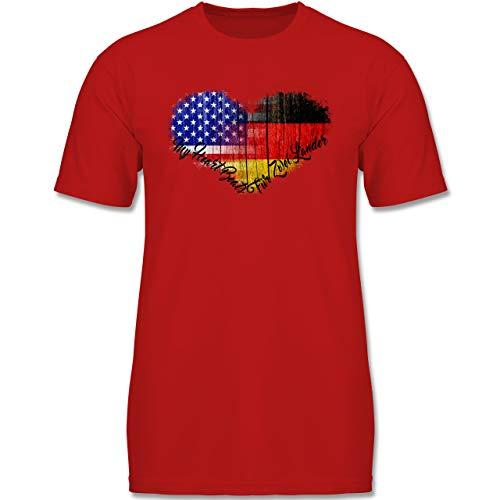 Flaggen - Deutsch-Amerikanische-Flagge-Herz - 128 (7-8 Jahre) - Rot - F130K - F140k Kinder Jungen T-Shirt