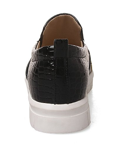 ZQ gyht Scarpe Donna-Mocassini-Casual-Punta arrotondata-Piatto-Finta pelle-Nero / Bianco , white-us8 / eu39 / uk6 / cn39 , white-us8 / eu39 / uk6 / cn39 white-us7.5 / eu38 / uk5.5 / cn38