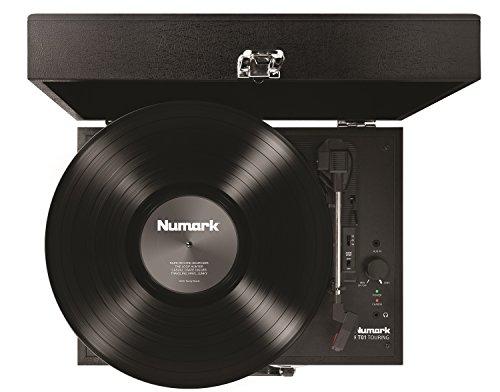 Numark PT01 Touring - Giradiscos portátil tipo maleta recargable con altavoces integrados y puerto USB para convertir vinilos