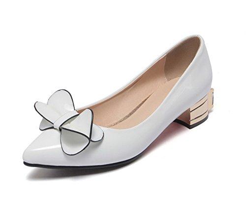 AllhqFashion Damen Rein Pu Leder Niedriger Absatz Spitz Zehe Ziehen Auf Pumps Schuhe Weiß