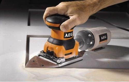 AEG fds140 – Delta Sheet Sander Takes Paper with Hock and Loop & Clamping Use