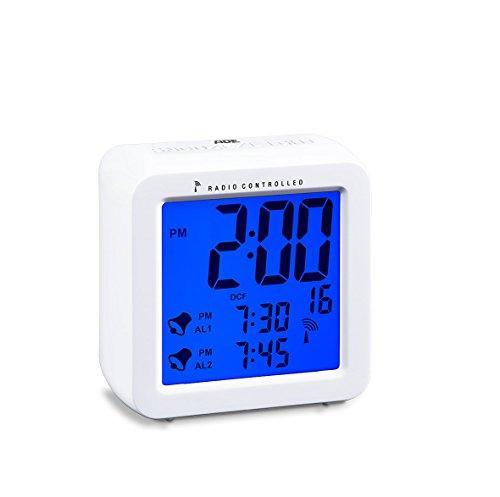 Aus Dual-alarm-clock-schwarz (ADE Funkwecker CK1701. Digitaler Wecker mit Funkuhr, zwei Weckzeiten, Schlummerfunktion und beleuchtetem LCD-Display. Batteriebetrieben, inklusive 2 x 1,5 V AAA Batterien. Farbe: Weiß)