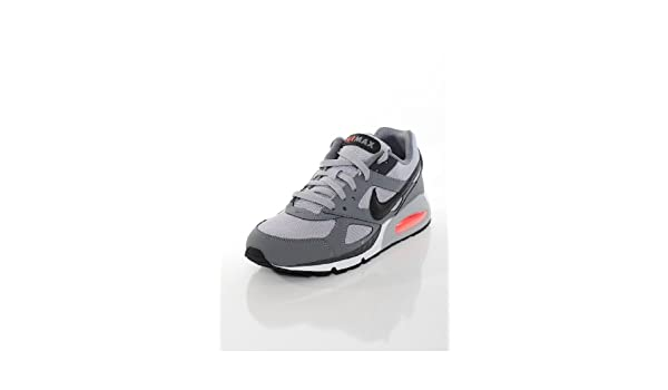 Nike Basket Homme Air Max IVO Grise Taille 42: