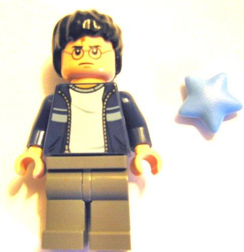 LEGO Harry Potter - Minifigur HARRY mit dunkelblauem Pullover, dunkelgrauer Hose und 2 Gesichtern aus dem Set 4841 plus Stern wie abgebildet