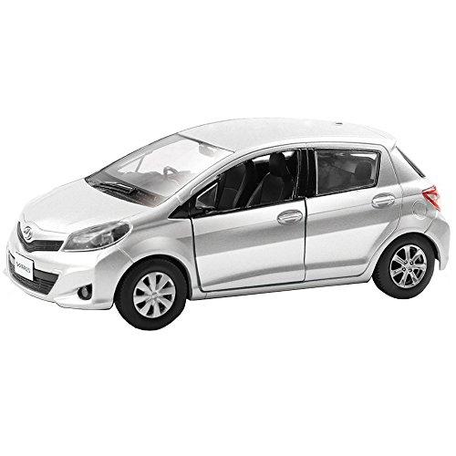rmz-city-132-diecast-toyota-yaris-car-silver-color-model-collection