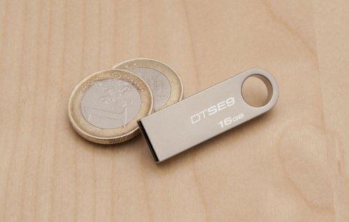 Kingston DTSE9H/16GB Memoria USB 16 GB color plata