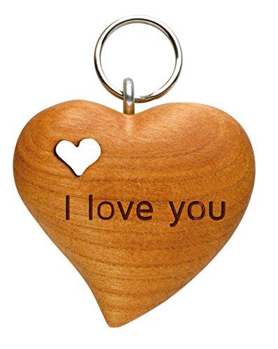Foto Premio Schlüsselanhänger aus Holz mit persönlicher Widmung zum selbst gestalten (naturbelassenes Zierholz in Herzform, mit gefrästem Holzherz, personalisierbarer Text, Lasergravur)