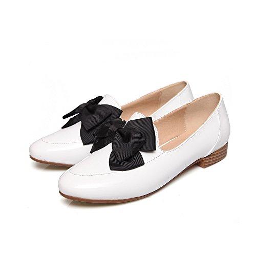 VogueZone009 Damen Rein Lackleder Niedriger Absatz Ziehen Auf Rund Zehe Pumps Schuhe Weiß