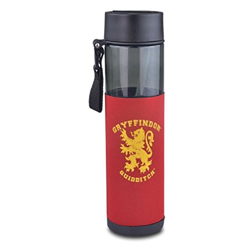 Flip Top Quidditch Slytherin Travel sports Water Bottle 24 ounce from Studio Tour London Merchandise. Perfect gift for man, women, girls or boys. Gym crest botle great present for kids. Sturdy long lasting bottle perfect for holidays like Christmas, birth