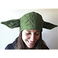 Gorro inspirado en el maestro Yoda
