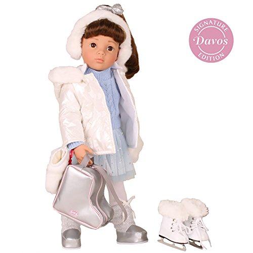 Götz 1666040 Happy Kidz Sophie at Davos Puppe geht Schlittschuh laufen - 50 cm große Multigelenk-Stehpuppe, braune Haare, braune Augen 13-teiliges Set (Haargummi Laufen)