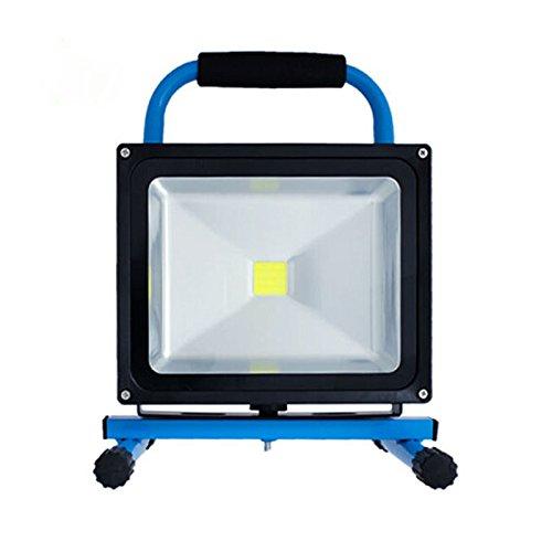 SAILUN 30W LED projecteurs Blanc Froid Lampe à la main Rechargeable Avec Batterie, Portable Adaptateur et Chargeur de Voiture inclus, IP65 Bleu