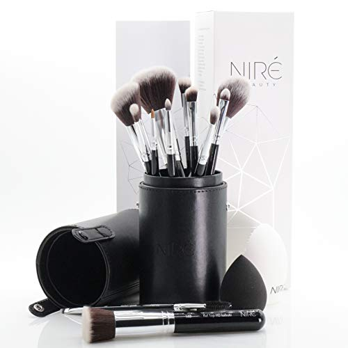 Niré Artistry kit: pennelli make up, Niré Beauty Blender, pulitore pennelli in una confezione...