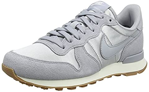 Nike Wmns Internationalist, Chaussures de Gymnastique Femme, Gris (Wolf Grey/Wolf