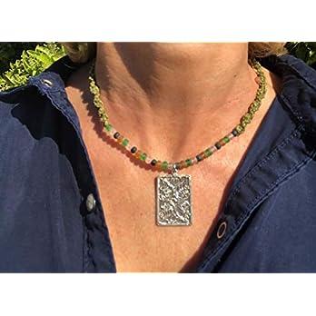 Ethnos Barcelona – Silberanhänger mit Filigranarbeit. Länge: 41,5 cm.