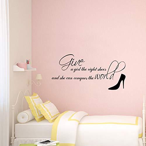 yiyiyaya Klassisches Zitat Geben Sie einem Mädchen die richtigen Schuhe VinylWandaufkleber Wohnkulturfür Mädchen Zimmer31 * 61 cm (Zitate Schuhe Halloween)
