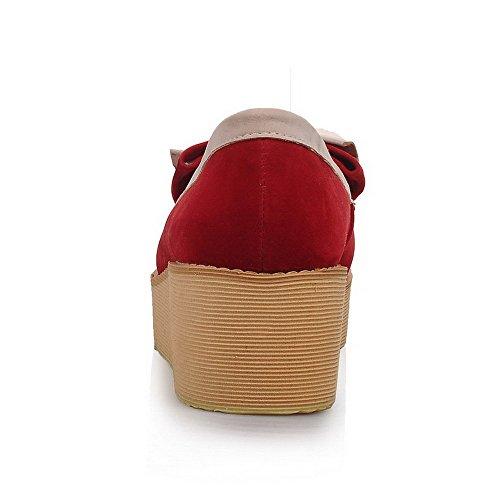 AgooLar Damen Ziehen Auf Nubukleder Rund Zehe Mittler Absatz Gemischte Farbe Pumps Schuhe Rot