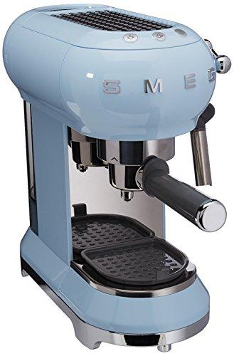 Smeg 146875 Kaffeemaschine, Einstellbare Kaffeetemperatur mit Milchaufschäumer