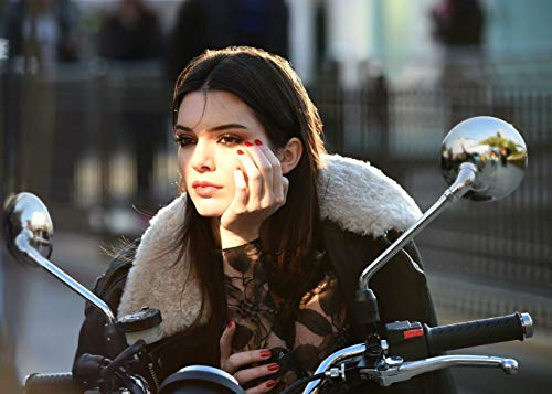 PostersNPrints Kendall Jenner 08 260 GSM Photo Poster A3