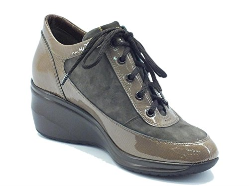 Sneakers Melluso Walk in vernice e camoscio taupe Mousse