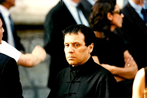vintage-photo-of-the-fashion-designer-azzedine-alaia-photographed-in-connection-with-the-fashion-des