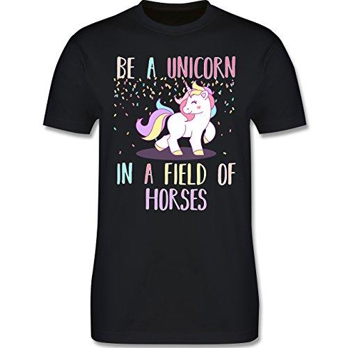 Einhorn Unicorn - be a unicorn a field of horses - Herren T-Shirt Schwarz