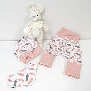 ANGEBOT Set – Hose, Schleifenmütze, Halstuch – Cremeweiß Rosen (Rose melange) Baby Mädchen
