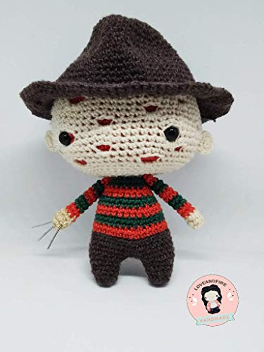 Freddy Krueger Nightmare on Elm Street Halloween amigurumi crochet doll, muñeco ganchillo,