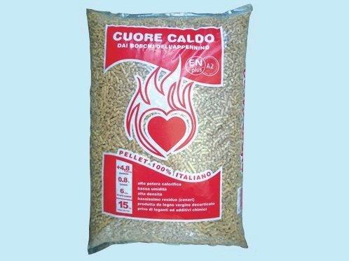 Pellet cuore caldo 15 kg faggio e abete made in italy 4,8 kw/kg Ø 6 mm