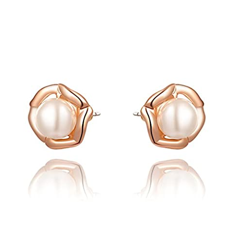 Pearl Flowers Stud Earrings by Alisa Fastion Jewelry