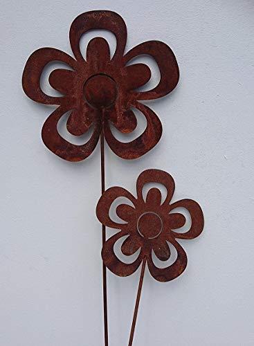 2 Edelrost Blumen offen auf Stab Gartenstecker