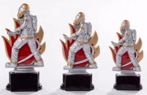 3er-Serie Feuerwehr-Pokale mit Wunschgravur und 3 Feuerwehr-Anstecknadeln (Sticker)