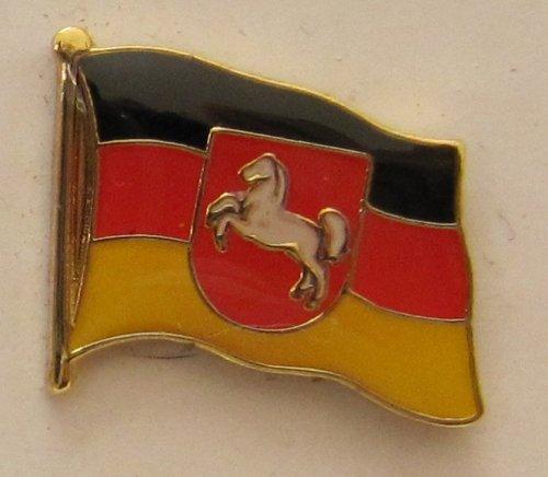 Pin Anstecker Flagge Fahne Niedersachsen mit Pferd Landesflagge Flaggenpin Badge Button Flaggen Clip Anstecknadel